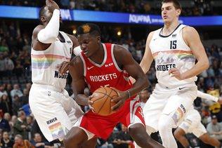 NBA: Clint Capela s'en prend aux paniers de Denver