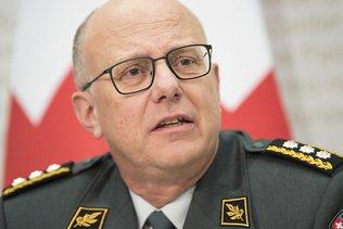 Le chef de l'armée s'excuse pour les frais excessifs