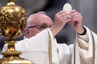 Le pape François célèbre une messe en présence de 6000 pauvres