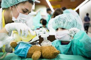 Près de 900 doudous soignés au CHUV ce week-end