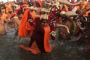 Inde: 20 millions de pèlerins au premier jour du Kumbh Mela