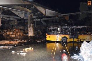 Incendie dans le garage des cars postaux à Coire, dégâts importants