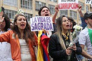 Marche contre le terrorisme après l'attentat de Bogota