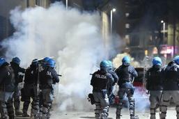Heurts entre anarchistes et police à Turin