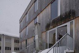 Un avant-toit en béton s'écroule au Campus du Lac-Noir