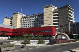 Des baisses de salaire possibles à l'Hôpital fribourgeois