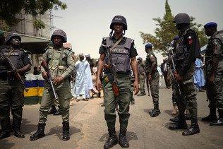 """Nigeria: l'armée doit être """"sans pitié"""" face aux fraudeurs (Buhari)"""