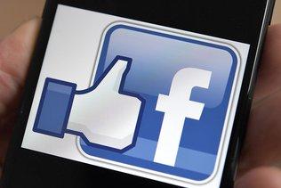 RT proteste après le blocage de ses pages par Facebook