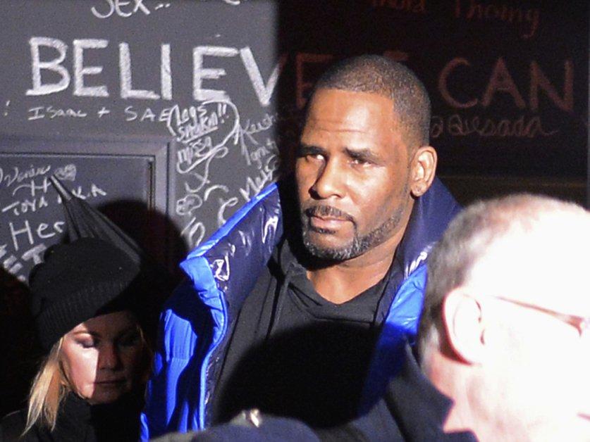 Abus sexuels: la caution de R. Kelly fixée à un million de dollars