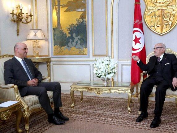 cb0e8f9fa6a Le président tunisien Beji Caid Essebsi (à droite) a reçu lundi le  conseiller fédéral Alain Berset au Palais présidentiel de Carthage