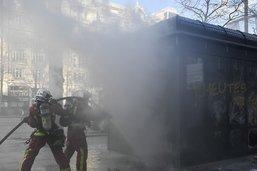 """Acte 18 des """"gilets jaunes"""" à Paris: 92 personnes en garde à vue"""