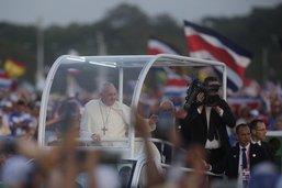 """Abus sexuels: le pape espère avoir déclenché l'""""assainissement"""""""