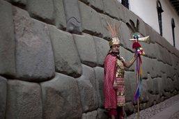Grosse amende pour destruction de quatre murs incas