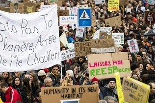 Le Parlement donne son feu vert à l'urgence climatique