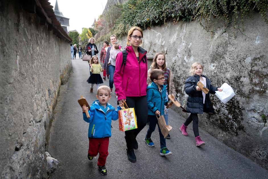 La tradition pascale des «tapolets» de Rue