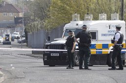 Journaliste tuée à Londonderry: la police relâche deux suspects
