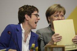 """La """"dauphine"""" de Merkel ne briguera pas la chancellerie avant 2021"""