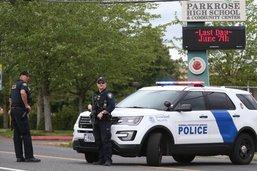 Un élève armé maîtrisé par un professeur dans un lycée américain