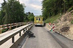 Un cycliste grièvement blessé à Broc