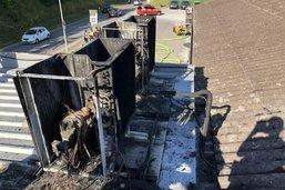 Deux climatiseurs détruits par le feu
