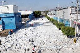 De la grêle dans les tropiques: Guadalajara tapissé de glace