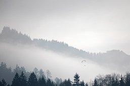 Entre 76'000 et 100'000 foyers sans électricité dans les Alpes