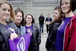 La grève des femmes par les hommes: un exercice d'humilité
