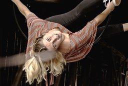 Jessica Gasser, entre cirque et études
