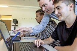 En classe avec son propre ordinateur