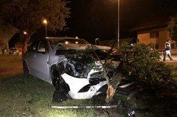 Il percute un arbre à Vuadens: deux passagers blessés