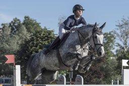 Ines Bruttin sur ses grands chevaux