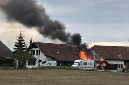 Un cabanon de jardin prend feu à Domdidier
