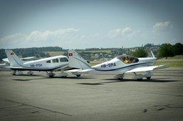 Des batteries d'avion en feu à Ecuvillens
