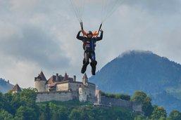 Un parachutiste se blesse grièvement