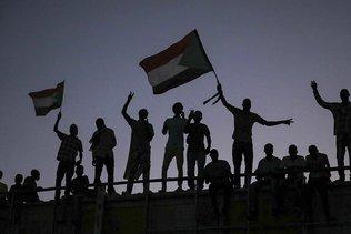 """""""Accord"""" encore vague au Soudan entre militaires et civils"""