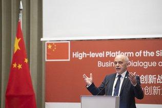 Ueli Maurer défend les controversées routes de la soie de Pékin