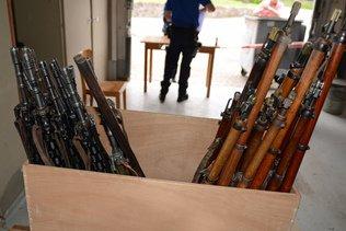 Près de 700 armes à feu remises à la police en Suisse centrale