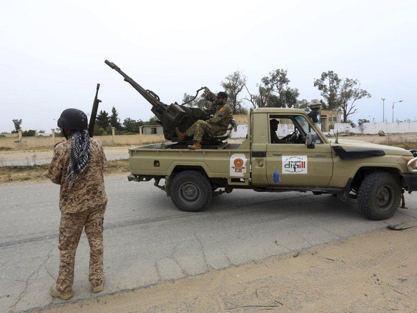 """Des flux """"continus"""" d'armes et de combattants étrangers en Libye"""