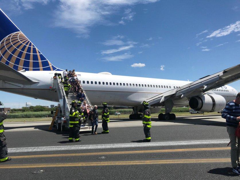 L'aéroport de Newark brièvement fermé après une sortie de piste