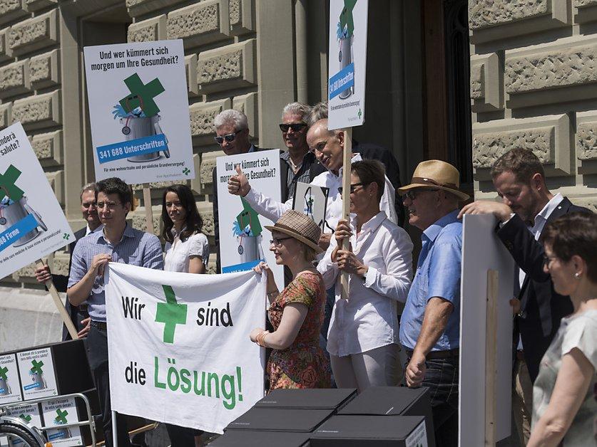 Plus de 340'000 signatures pour la pétition des pharmaciens
