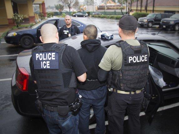 Un million de sans-papiers visés par une opération d'expulsion — USA