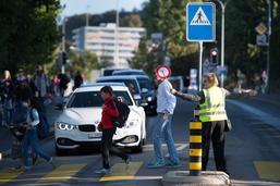 Attention aux enfants sur le chemin de l'école
