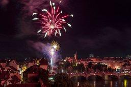 Des milliers de personnes ont admirés le feu d'artifice de Bâle