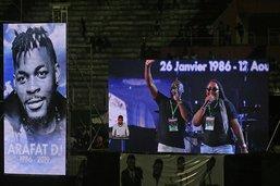 Milliers de fans aux funérailles de DJ Arafat, star du coupé-décalé