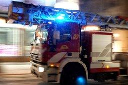 Un incendie détruit la toiture d'un immeuble à Conches (GE)