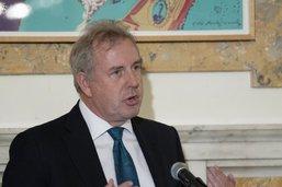 """L'ex-ambassadeur britannique jugé """"stupide"""" par Trump anobli"""