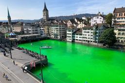 Limmat en vert pour protester contre la destruction de l'écosystème