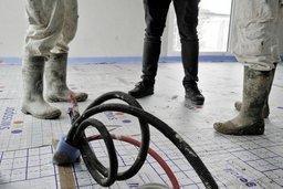 Travail au noir: Fribourg veut serrer la vis
