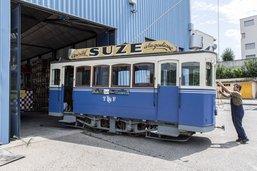 L'ancien tram n°1 de Fribourg déménage