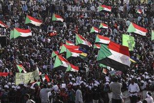 Milliers de Soudanais dans la rue en hommage aux manifestants tués